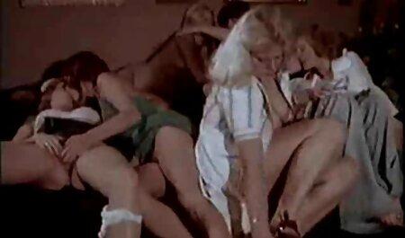 Culotte de côté baise qui se termine par porno film lesbien un creampie anal