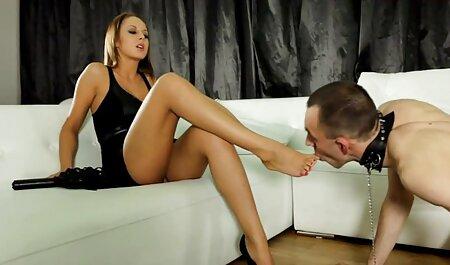 Riley Reyes lesbienne porno gode Interracial - Séances cocu