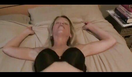 Fanatiques lesbienne porno gode de séance de visage