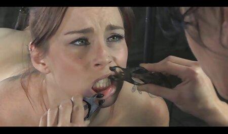 Maigre asiatique porno gode lesbienne en sueur branlette