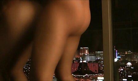 Plantureuse Latina baise son plug lesbienne black nue anal (Creampie)