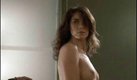 Gal Alyssa prend la bite film porno ciseaux massive des officiers
