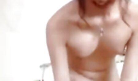 Penthouse Pet x video porno lesbienne Jelena Jensen Bangs Pussy avec un gode en cobalt!
