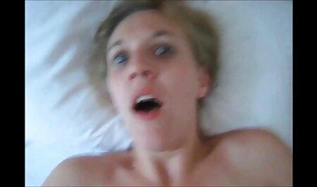 Laisse-moi envelopper ma culotte douce autour de ta bite JOI video sex porno lesbienne