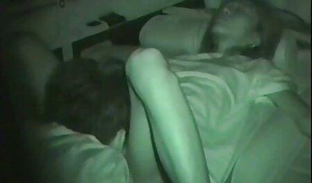 Dyked - Psychologue formant une seduction lesbienne xxx adolescente à lécher la chatte