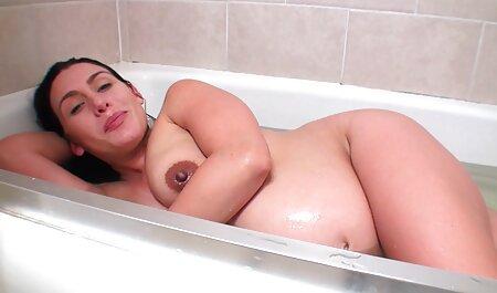 Sexy beau cul sur la plage film porno lesbien