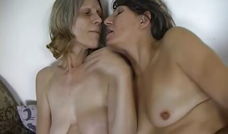 Un arrangement mère fille très lesbienne film porno sale